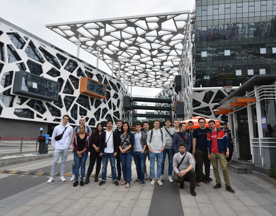 15 Informatiklernende aus Zuerich in China Route2China